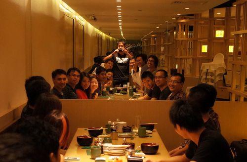 Duy và team Hoiio Singapore